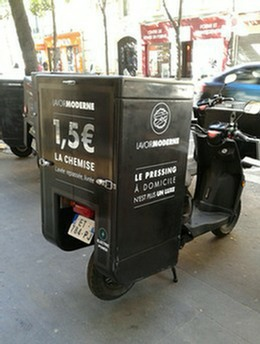 lettres-adhesives-sur-scooter.jpg
